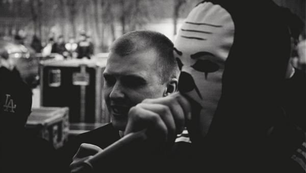 """Грязный Луи из группы the Chemodan рассказал, что смотрит, на какой машине ездит и зачем ему татуировка """"За ВДВ"""" 54b8eaa26c8bf"""
